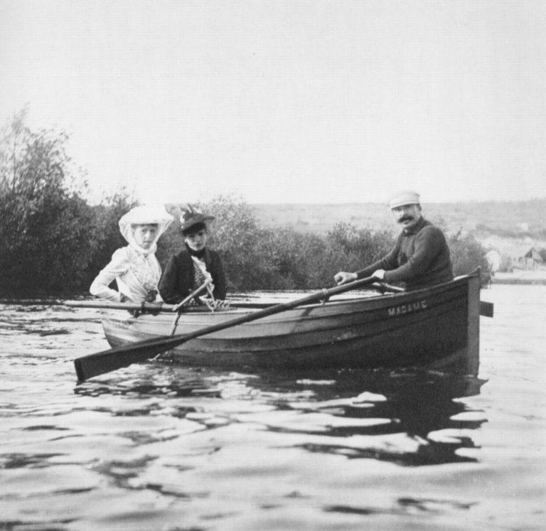 Guy de Maupassant - Photographie en barque à Thiel-sur-Seine